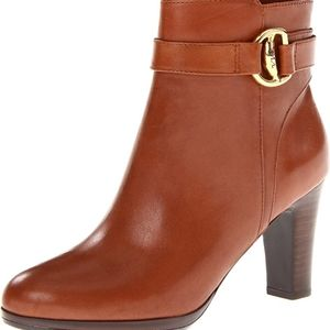 Ralph lauren women's Tan Leather belted Mandy ankle boots. Size 9. Chelsea fall